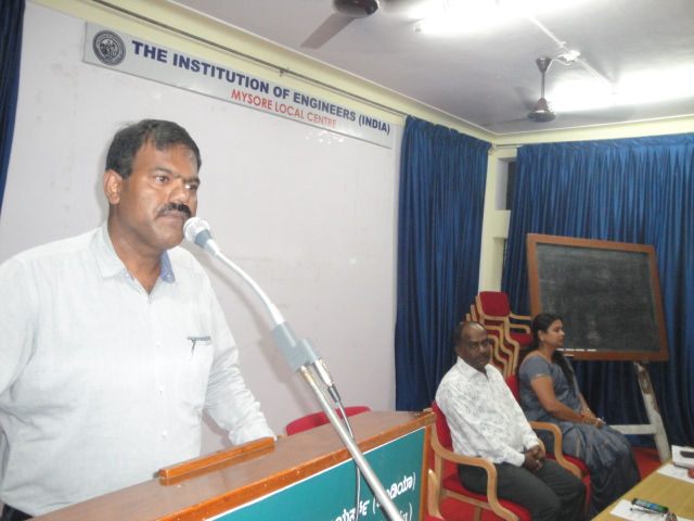 Er.D.K.Dinesh Kumar, Honorary Secretary, IEI, Mysore Local Centre is speaking