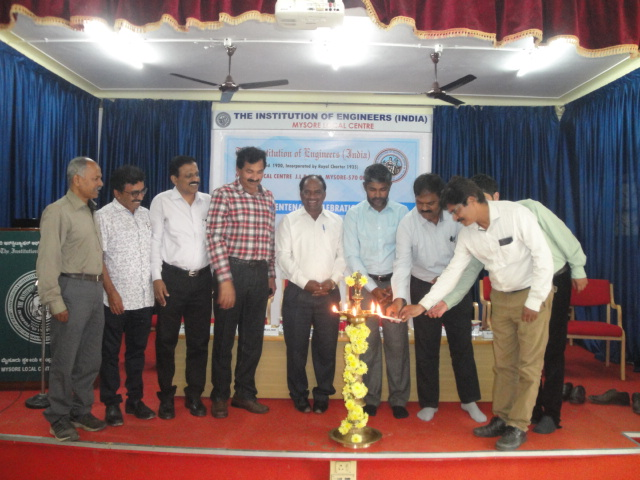 Dr.M.Selva Balan and other Dignitaries inaugurating the First Lecture Series of the Centenary Celebrations by lighting the lamp.